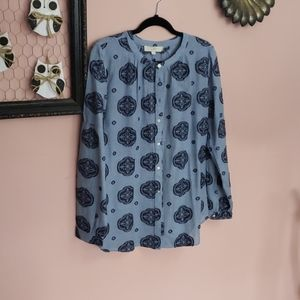 Blue loft buttom down top with embroidered details